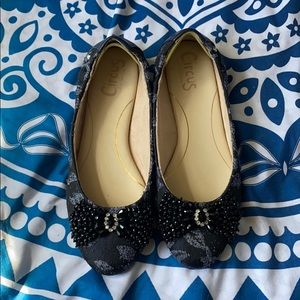 Shoes - Woman's size 10 flats